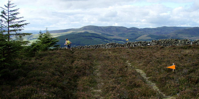 well marked route at Whitelaw Hill, Trahenna in the distance (left of centre)
